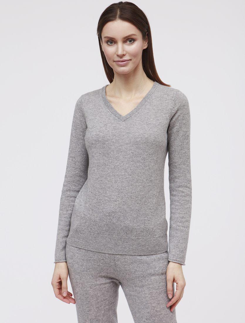 Кашемировый свитер - осенняя классика, в которую стоит инвестировать